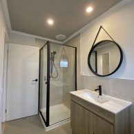 Shower screens Brunswick