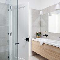 Shower screens Coburg